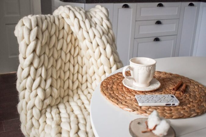 Chunky knit blanket gift for new moms