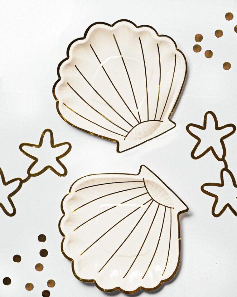 Pretty shell plates to host a mermaid birthday party
