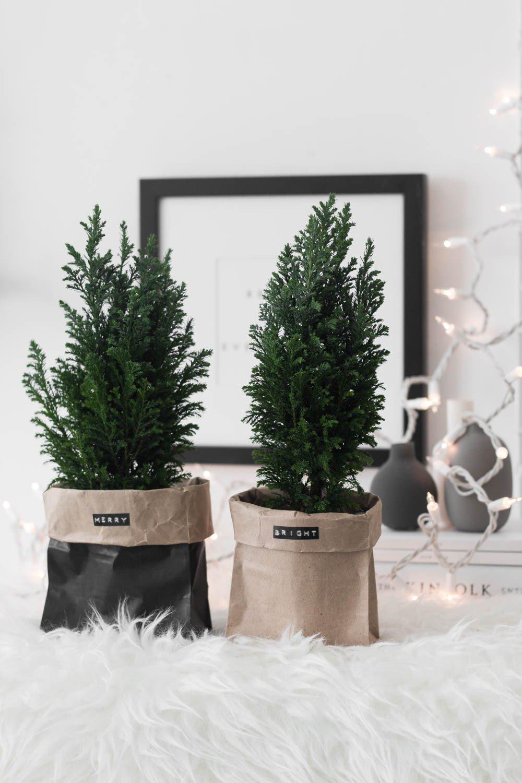 Paper bag christmas tree decor