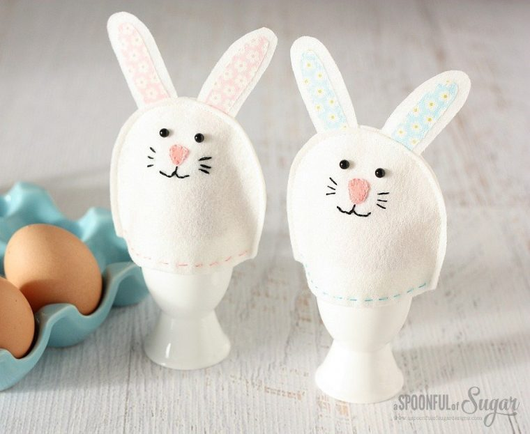 Felt bunny egg cozies. 24+ projects that use felt scraps.