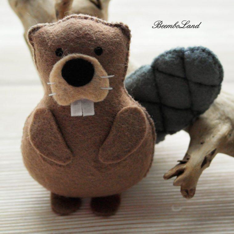 Cute beaver stuffie pattern