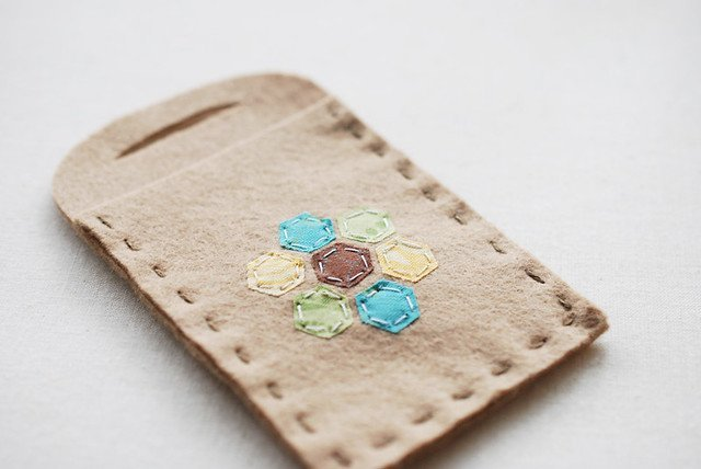 Gift card holder made with felt scraps