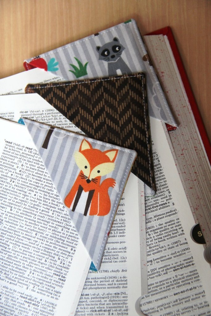 Book corner bookmark