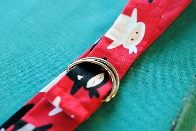 Easy fabric scrap projects. Kid's belt tutorial