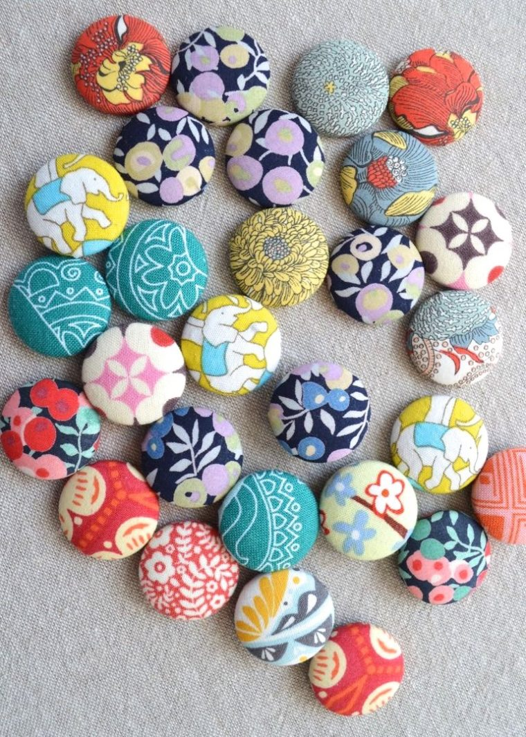 Use up some tiny fabric scraps making fun fridge magnets!
