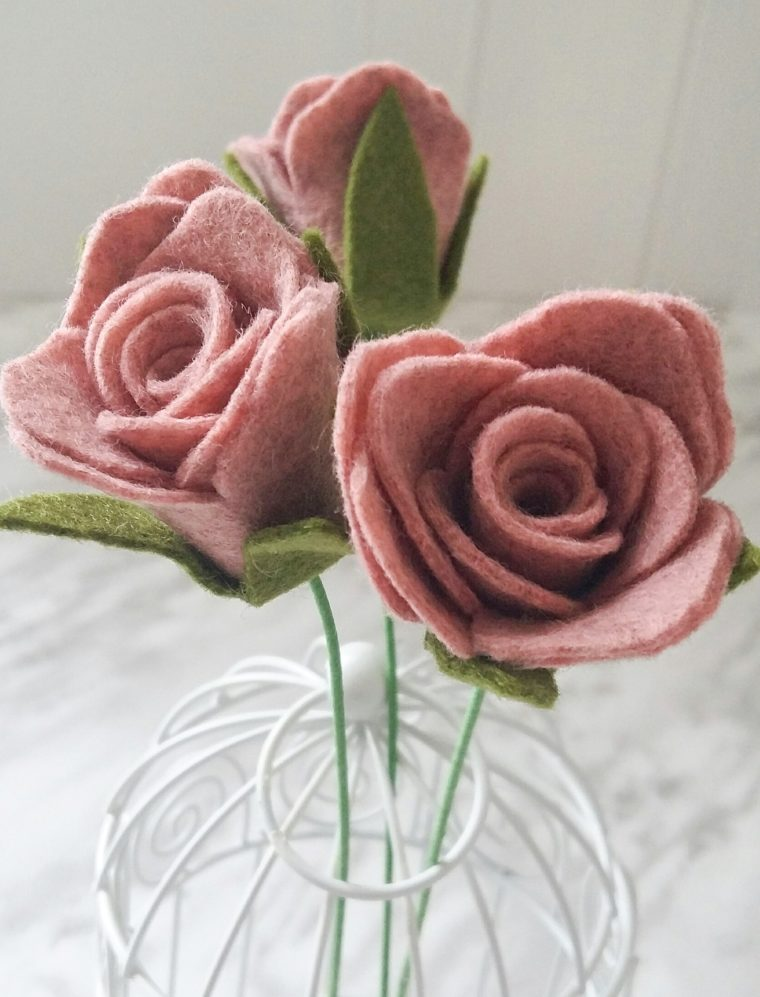 Beginner friendly Felt Flower Tutorial. Simple rolled felt roses.