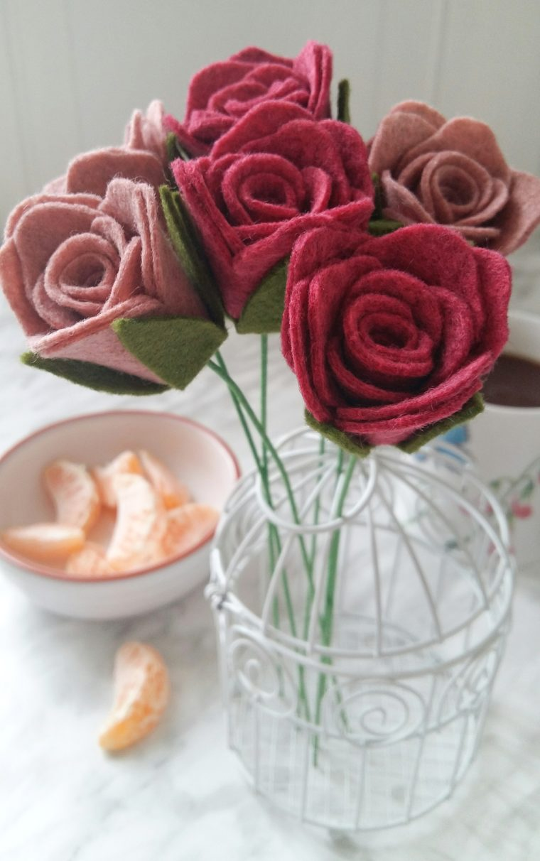 Beautiful felt flower rose stems. Simple DIY rolled felt flower tutorial.
