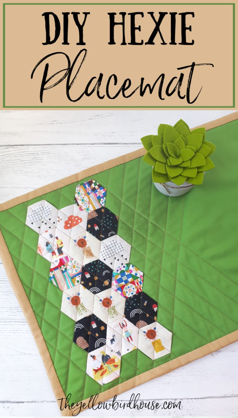 DIY Hexie placemat with tutorial. How to make a cute quilted placemat with paper-pieced hexagons. Fussy cut some little hexies for this home decor sewing project. DIY quilted placemat tutorial. English paper piecing project idea.