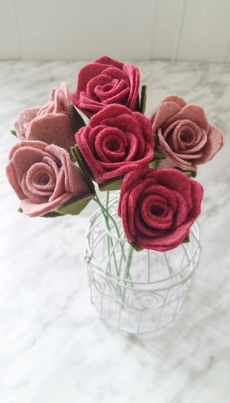 Simple and beautiful DIY felt rose stems. Simple, beginner friendly felt flower DIY