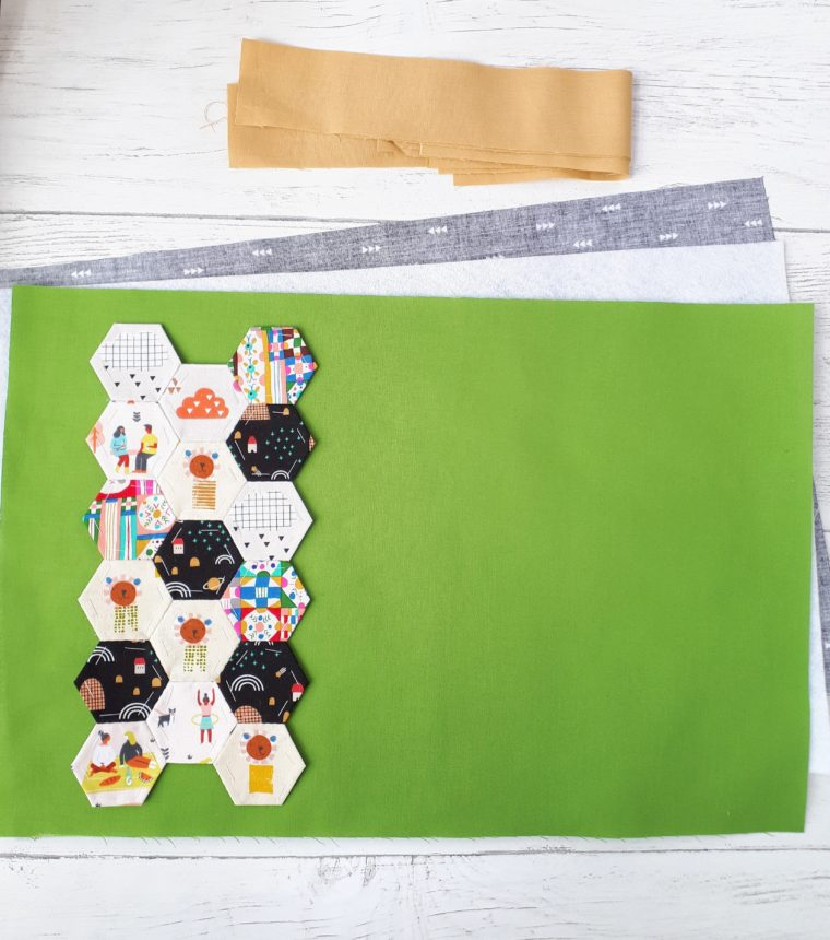 How to paper-piece fabric hexagons for a DIY hexie placemat