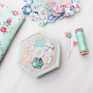 Little hexagon sewing needle book