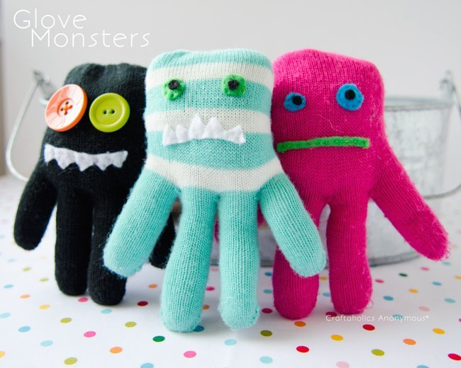 Fun sewing projects for kids. Turn gloves into adorable monsters!