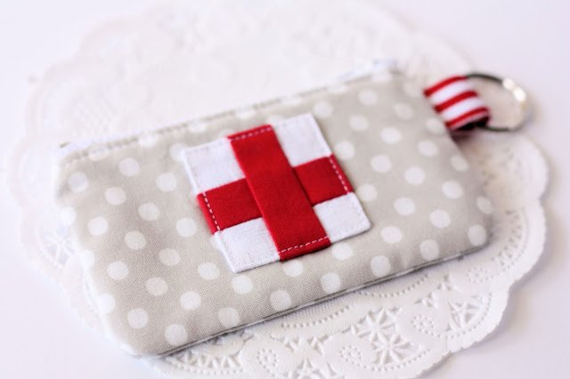Cute emergency supplies zip pouch