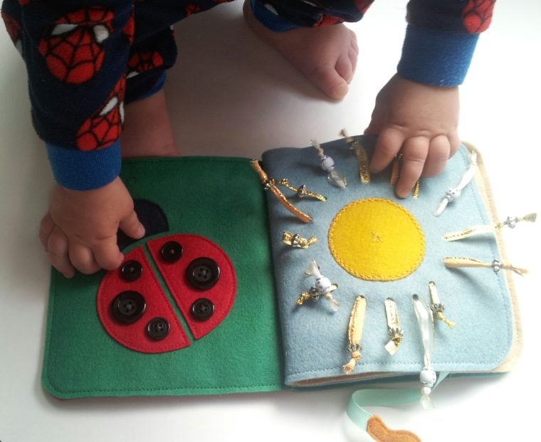 Toddlers will love playing with this easy to sew quiet book. Use the free quiet book pattern and beginner friendly techniques to make a fun new toy