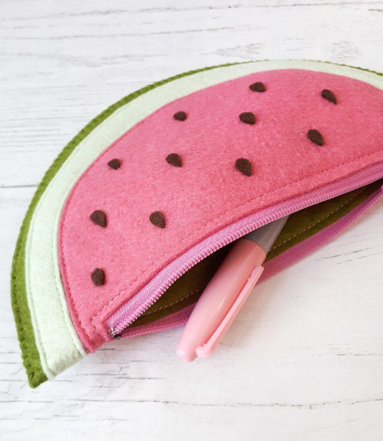 How to make a felt zipper pouch