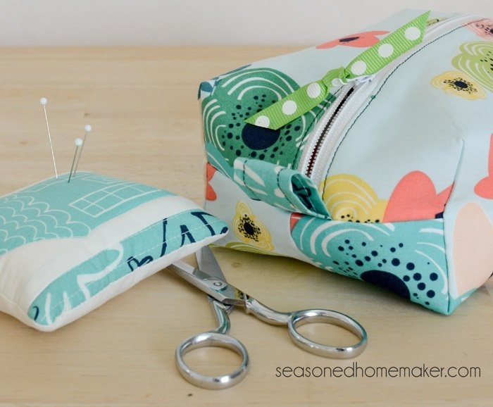 Make a DIY zipper box pouch for makeup or sewing supplies