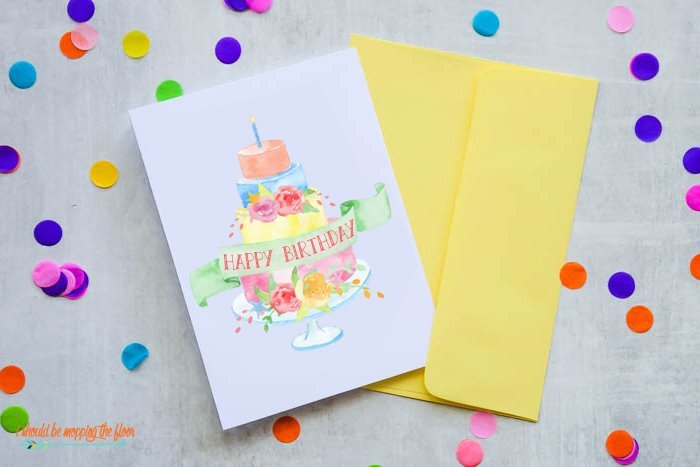 Pretty birthday cake card with numbered candles for a more personalized gift