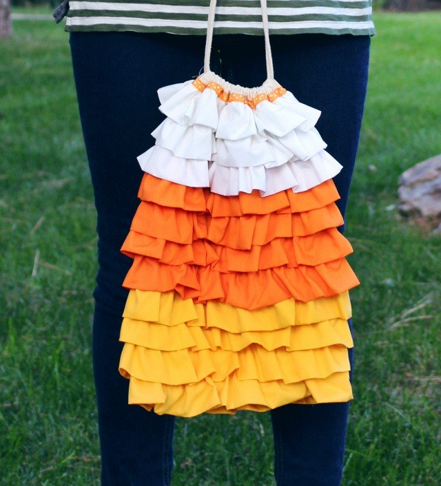 Make one of these 14 DIY trick or treat tote bags