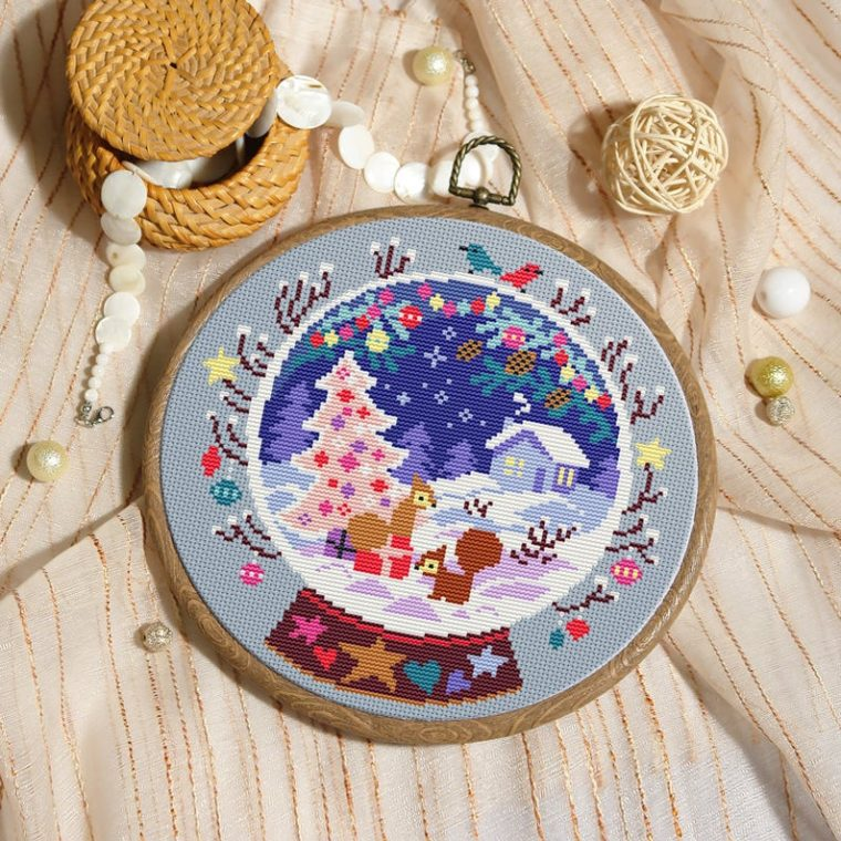 Pretty Christmas globe. 17 Modern Christmas cross stitch patterns