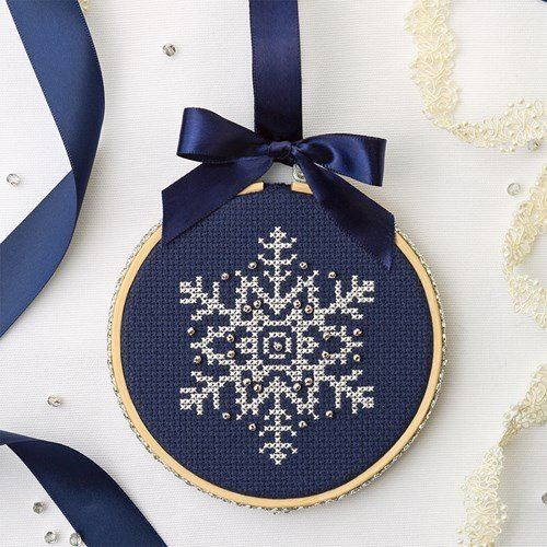 Sweet Christmas snowflake cross stitch pattern free download
