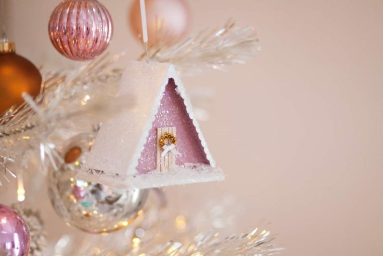A-frame house ornament DIY. Amazing Christmas gift ideas to make for family