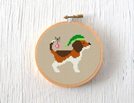 A festive Christmas beagle cross stitch. Fun Christmas cross stitch patterns