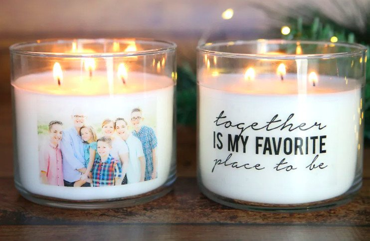 DIY Christmas gifts for family. Family photos in candles.