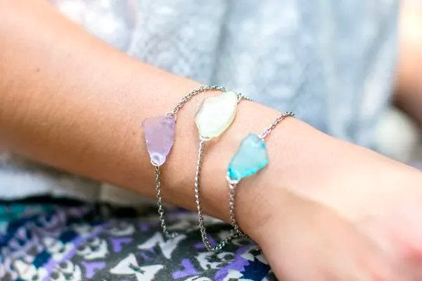 DIY Seaglass jewellery. Nautical gift ideas for family.