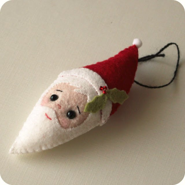 DIY Santa face felt ornament with free printable pattern