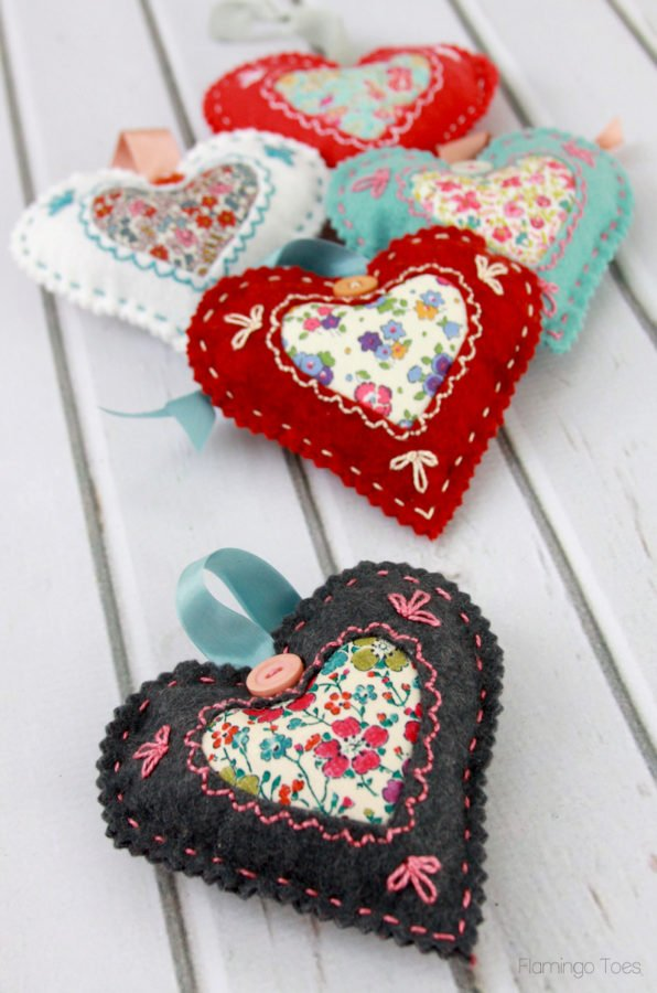 DIY Valentine Heart Sachets. DIY Ideas for felt Valentine's Day decorations.