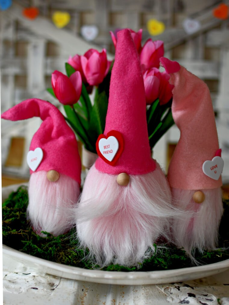 Adorable DIY Valentine gnomes with felt hats.