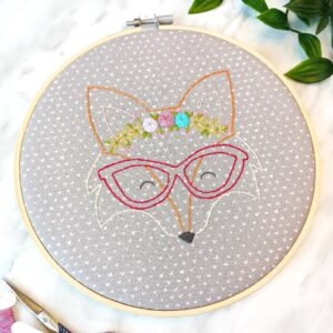 Beautiful fox wearing glasses and a flower crown free embroidery pattern. How to embroider flowers on a fox DIY tutorial