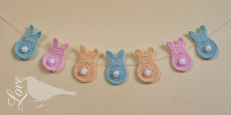 How to make cute crochet bunnies for an Easter garland decoration