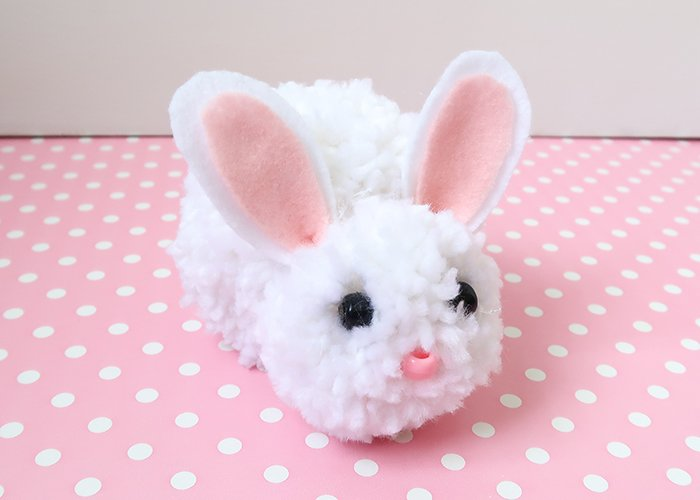 Easy pom pom bunny for kids to make. DIY bunny crafts for kids and Easter