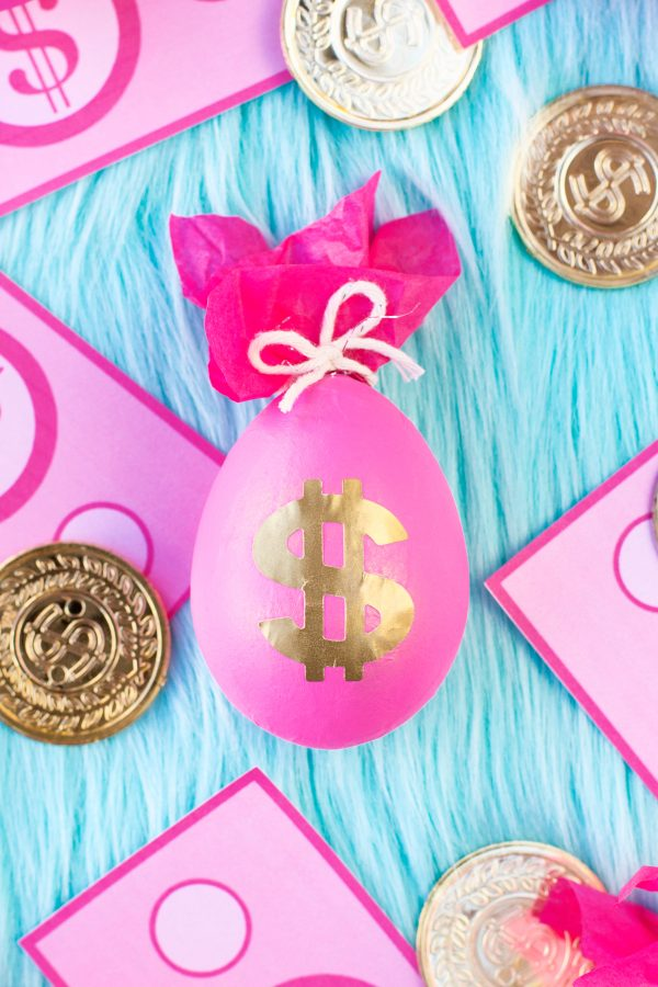 Funny Easter egg ideas. Money bags egg project for Easter