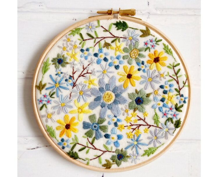 Fill an embroidery hoop with this gorgeous sunshine blossom design!