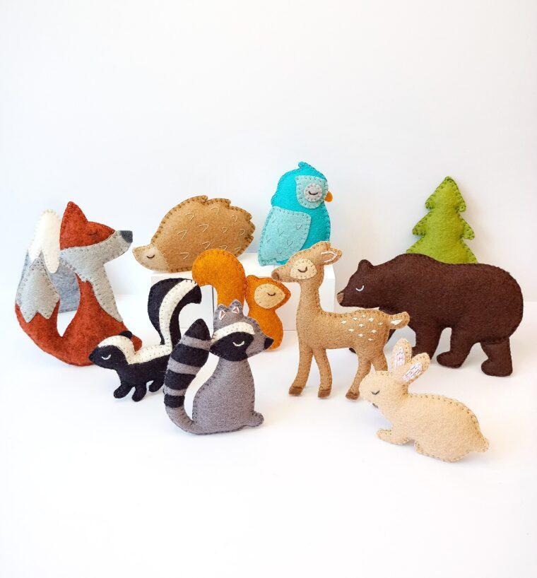Felt woodland animals for a garland, pocket pals or ornaments. Cute free bunny pattern. Felt fox, felt owl patterns.
