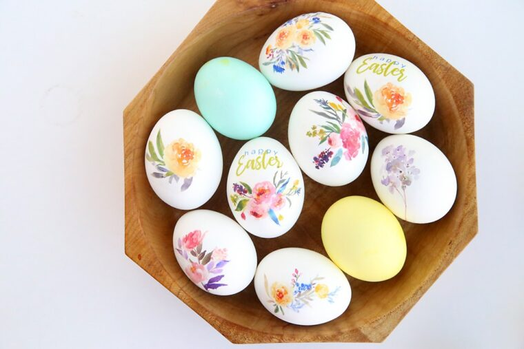 Pretty floral tattoo Easter Egg DIY