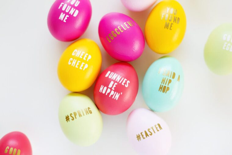Cute lettered Easter eggs. How to make typography Easter eggs