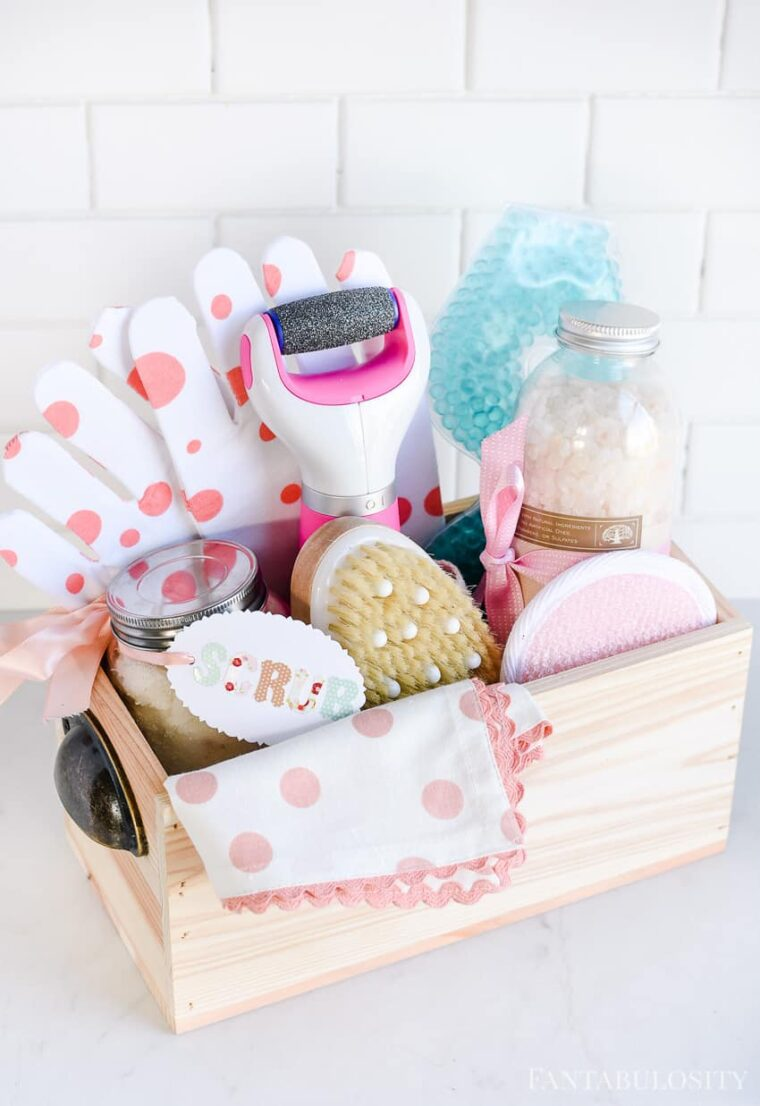 Spa in a box gift idea. Give mom the gift of luxuriating in a DIY spa at home day!