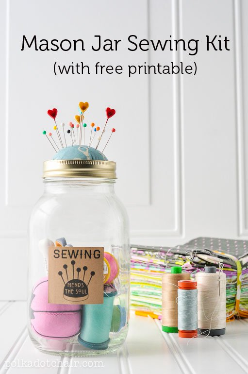 Mason jar sewing kit DIY. Cute gift ideas for crafty moms. Easy Mother's Day gifts.