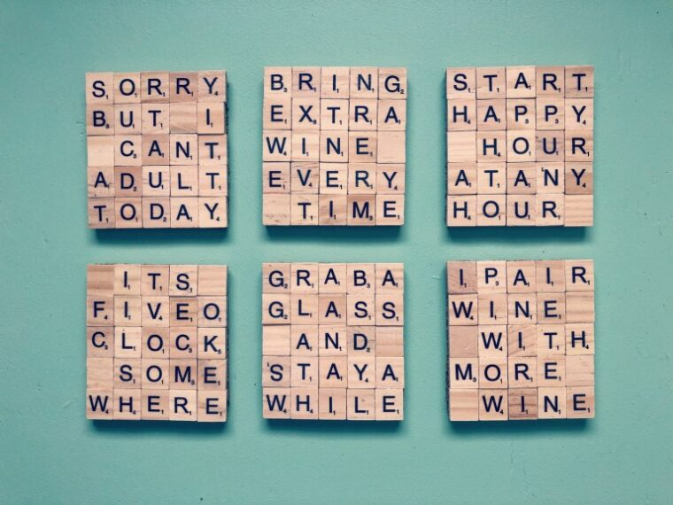 Personalized scrabble coasters. Easy DIY gifts for mom