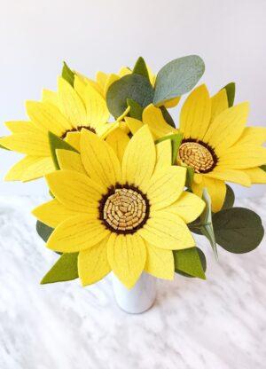 Beautiful felt flower pattern