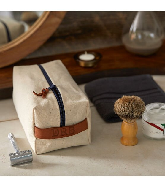 Pattern for a dopp kit. Perfect for a last minute Father's Day gift.