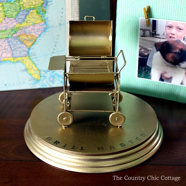 Grill master trophy DIY to give dad on Father's Day