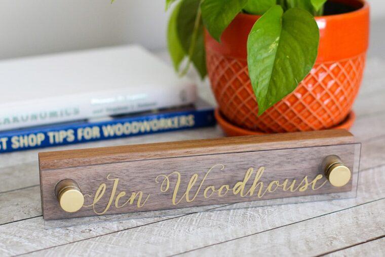 Desk nameplate DIY for an office. 28 last minute gift ideas for men