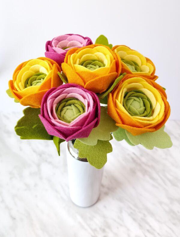 Felt ranunculus pattern - PDF pattern and tutorial digital download. Felt flowers DIY